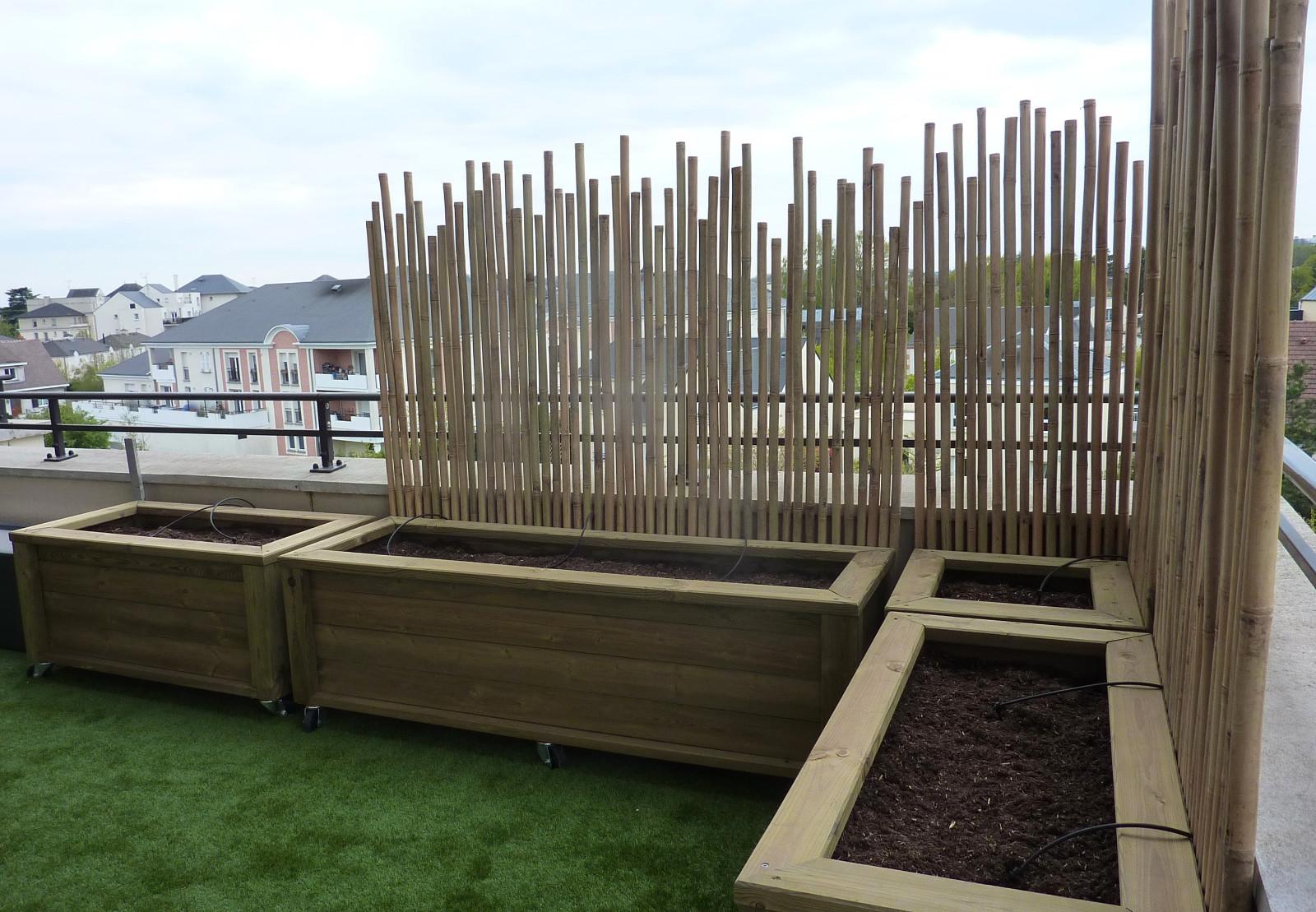 Aménagement terrasse. Brise-vent en bambou_Avril 2021 [3/4] – Travaux en cours